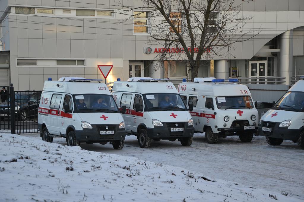 ВПензе губернатор вручил ключи от14 новых машин для участковых педиатров