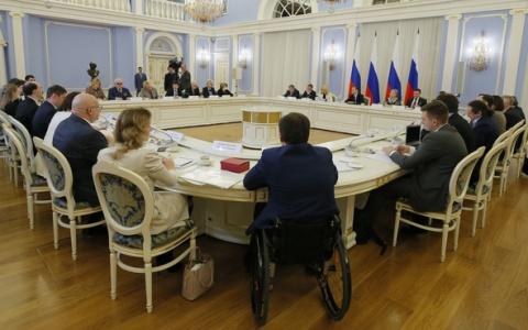 Медведев заинтересовался опытом Пензы по поддержке молодых людей с инвалидностью