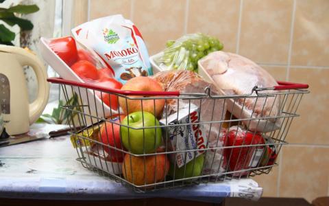 Новая статистика: 1/3 доходов россиян уходит на покупку еды