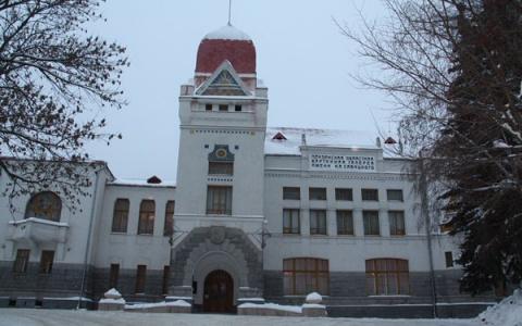 8 марта пензячки смогут бесплатно посетить картинную галерею имени Савицкого