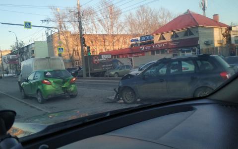 В ДТП с пятью автомобилями в Пензе пострадала женщина