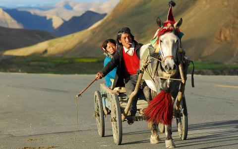 Тибет глазами пензенца: Витас, безухие пьяницы и муляжи полицейских
