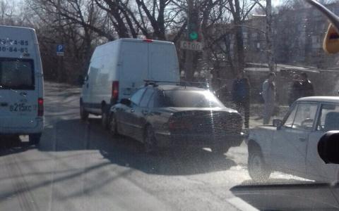 На трассе М5 в Пензе произошло столкновение машин