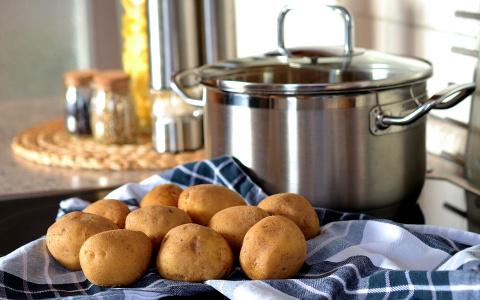 Три продукта на столах пензенцев содержат яд