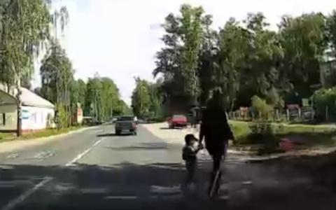 Яжмать и спешащий водитель: пензенцы обсудили случай на дороге