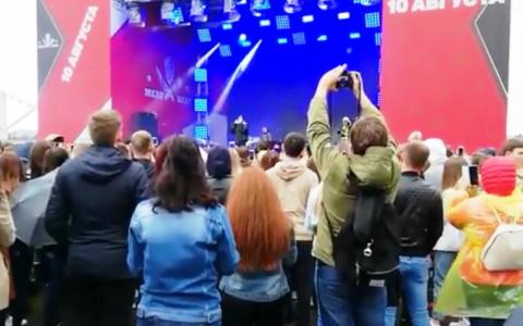 «Не он продается, его продают»: фанаты о выступлении пензенца Егора Крида во время митингов в Москве