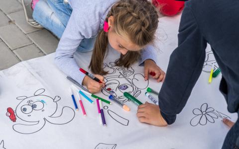 День знаний в Спутнике: 15 первых классов, пираты и праздник в парке