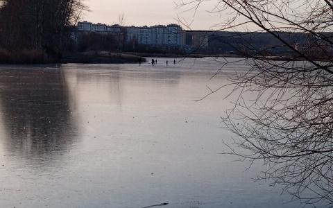 В Пензе дети и взрослые рискуют провалиться под лед