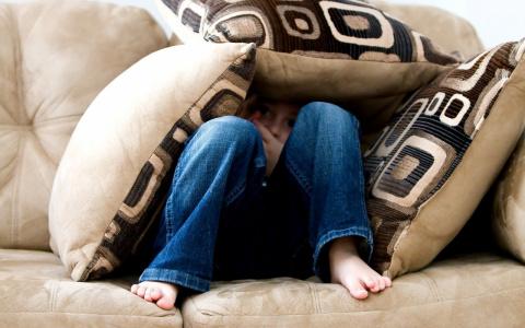 """Инфекции, аллергия - чем еще """"опасны""""  подушки?"""