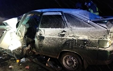 Спасатели рассказали подробности смертельного ДТП с тремя пострадавшими