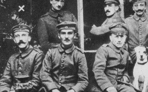 «Гитлер – советский солдат»: как пензенские соцсети опозорились на всю страну