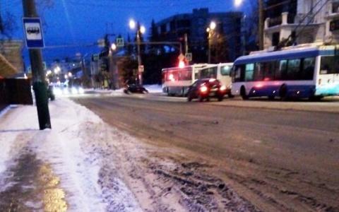 Глас народа: пензенцы недовольны тем, как убирают с улиц снег