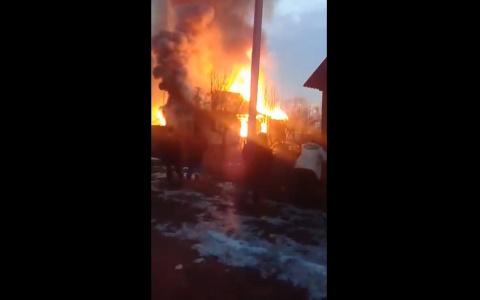 Страшное зрелище: появилось видео с места крупного пожара в Пензенской области