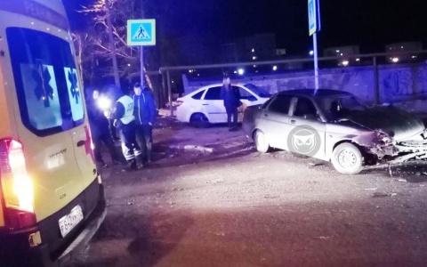 В Пензе в жестком столкновении сошлись две машины