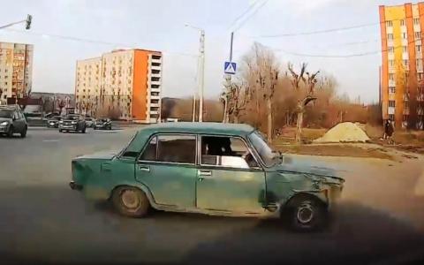В Пензе водители заподозрили мошенника на дороге – видео