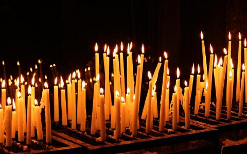 В храмы и на кладбища не попасть: как пензенцам помянуть родных на Радоницу?