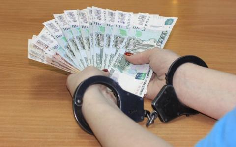 Иностранец на дорогой иномарке предложил взятку полицейскому