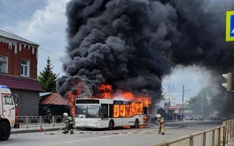Как в фильме ужасов: в Пензе вспыхнул пассажирский автобус
