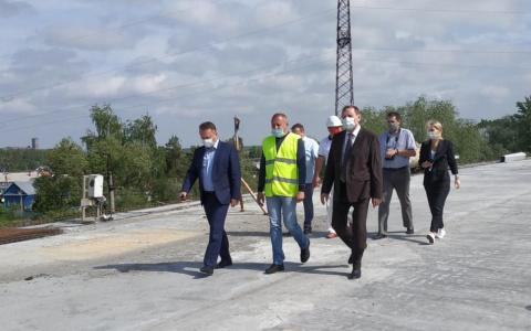 «Если погода не подведет»: движение транспорта по путепроводу в Заречном запустят через неделю