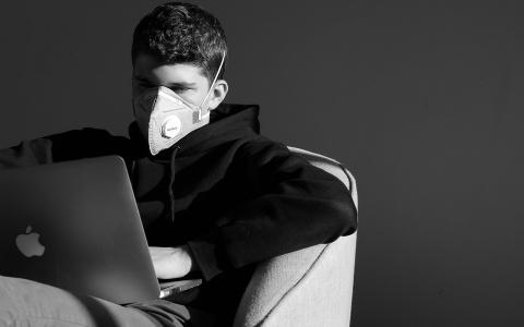 Опасен даже воздух!: назвали список мест с высоким риском заражения COVID-19
