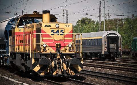 Пензенские подростки закидали кирпичами движущийся поезд
