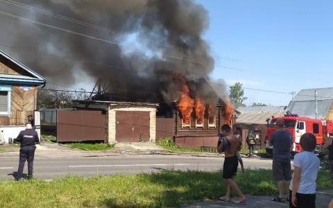 Горожане делятся снимками страшного пожара в Пенза