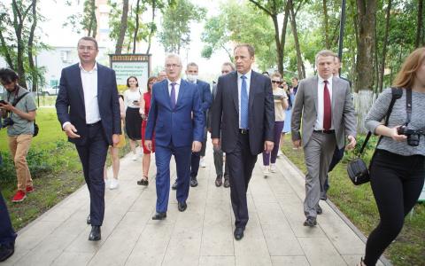 Другим регионам надо брать с вас пример: Полпред президента в ПФО посетил «Парк времен» и жилой комплекс «Новые сады» в Пензе