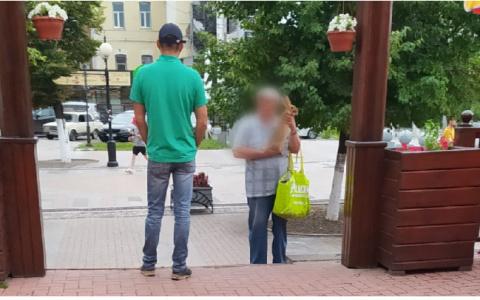 """""""Любой пойдет, чтоб крошку на пропитание заработать"""": история о мужчине с кроликом на Московской вызвала общественный резонанс"""