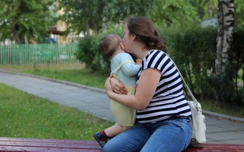 Жениться надо до 35: молодым семьям будут компенсировать часть стоимости жилья