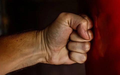 Изменила с другом: житель Пензенской области насмерть забил жену