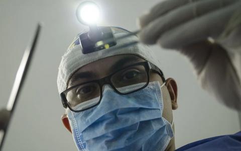 Как устанавливаются импланты и зачем они нужны - рассказывает пензенский стоматолог