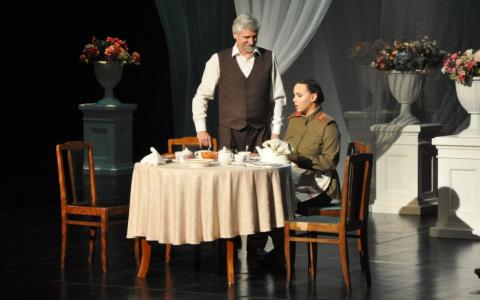 «Начали с лирики»: в Пензенском драмтеатре прошла премьера нового сезона