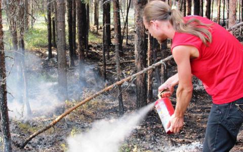 Что делать, если травяной пал не получается потушить? – отвечают пензенские спасатели