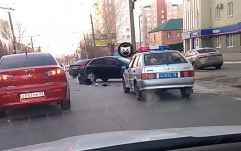 В Пензе произошла страшная авария с участием двух иномарок