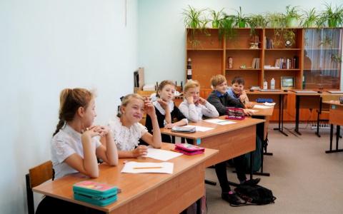 Школьники, пляшите: стали известны даты зимних каникул 2021