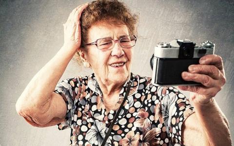 Бабушки захватят Сеть? Каждый пятый пенсионер хочет стать блогером