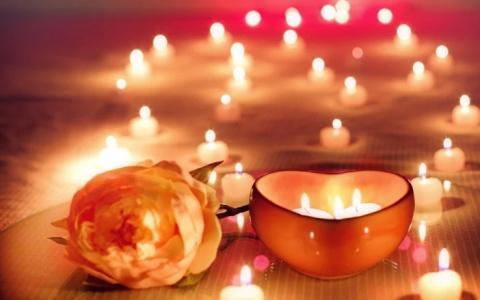 Пензенцам рассказали, как сделать ужин при свечах безопасным