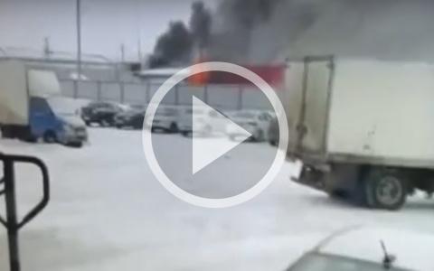 В Пензе на улице Аустрина произошёл пожар – видео