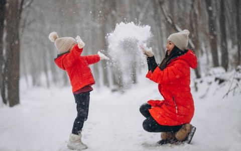 Мартовские выплаты семьям с детьми: когда перечислят