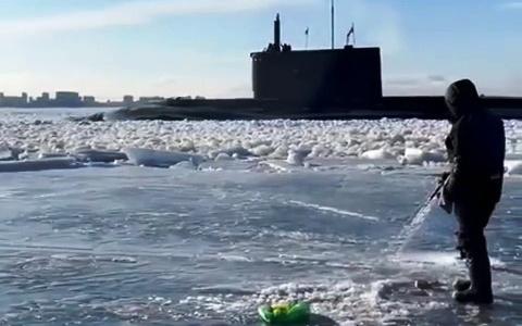 Соцсети: у берегов Пензы «всплыла подводная лодка» (видео)
