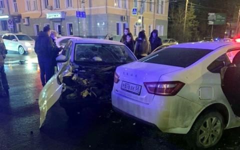 Появились кадры с места жуткой ночной аварии в Пензе