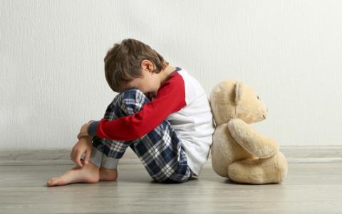 «Издевается над детьми»: в Кузнецке ищут жестокую мать