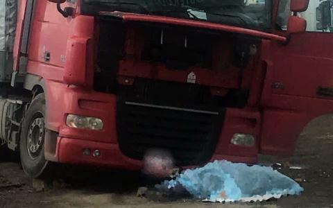 «Упал домкрат»: под Пензой грузовик раздавил человека насмерть
