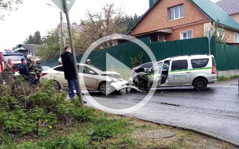 Появилось видео с моментом жесткой аварии на улице Кольцова в Пензе