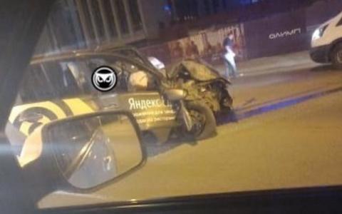 Пензу вновь потрясло жесткое ДТП с участием такси