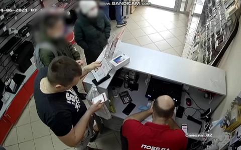 В Пензе мать и несовершеннолетний сын сбывали фальшивые деньги