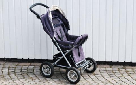 В Сердобске муж и жена украли 290 килограмм металла на детской коляске