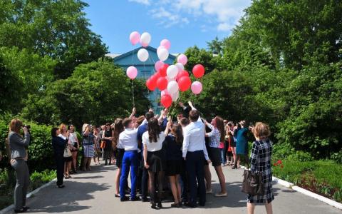 Пензенских выпускников попросили не запускать воздушные шары в небо