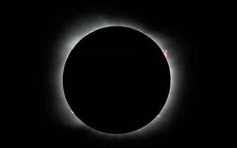 Первое за 50 лет кольцеобразное солнечное затмение увидят россияне