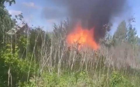 В пензенском поселке Победа загорелся дом – видео